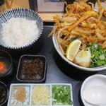 うどんば しん - 料理写真:桜海老と野菜のかき揚げぶっかけうどんセット