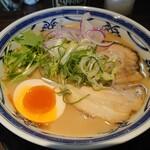 だしと麺 - 濃厚鶏白湯そば880円