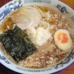ラーメンハウス新治 - にんにく醤油らーめん(680円)