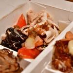 パリヤ - 【4 DELI BOX@1,480円】新玉ねぎと豚しゃぶのサラダ 山椒オイルあえ(+100円)