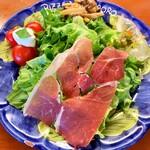 ピッツェリア エイゴロ 伊予三島 - サラダ+前菜盛り合わせ 野菜美味