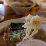 日光軒 - (2020/11月)手打ち佐野ラーメンの麺