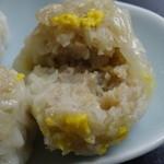 京華苑 - 美味しい焼売に辛子をつけて