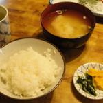 弥次喜多 - ご飯、味噌汁、お新香