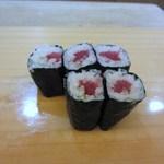 寿司 割烹 開 - お寿司は大好きな鉄火の細巻き。つい写真とる前に一個食べちゃいました