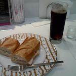14656912 - サンドウィッチとコーヒー