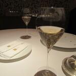 146567571 - まずは「シャンパン」で