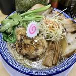 友愛亭 - 料理写真:煮干背あぶらーめん、チャーシュー2枚