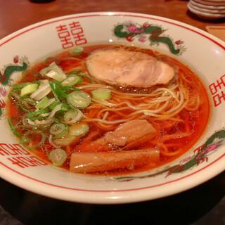 金久右衛門 - 料理写真:紅醤油ラーメン(700円)