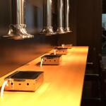 金沢文庫 肉汁センター - 「カウンター広いから落ちつく!」お一人様、お二人様に人気の席です♪