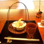 御料理 伊とう - ≪8月≫揚げものは、松茸を鱧で巻いたもの等。天つゆも飲めるくらい薄めの良いお味。