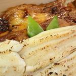 にぎり 魚佐 - 料理写真:穴子 白と黒 アップ