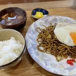 一寿亭 - 料理写真:焼そば定食(650円)