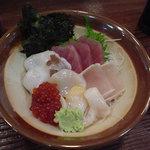 山田食堂 - お刺身も、とても美味しいです
