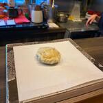 天ぷら専門 多から - どんこ椎茸の海老詰め。肉厚でジューシィ♡