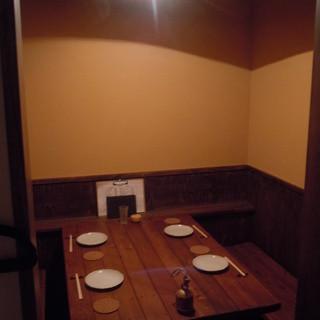 4名様ピッタリ個室は、落ち着く特等席☆