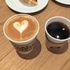 フラット ホワイト コーヒー ファクトリー - ドリンク写真:ラテ、本日の珈琲