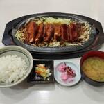 146612809 - 鉄板ひれとんかつ定食(1900円)