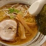 ラーメン工房 ら房 - 料理写真:しょうゆらーめん(550円+税)