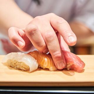 寿司職人が握る本格江戸前寿司がリーズナブルに楽しめます♪