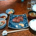 知喜多 横浜西口店 - レアで頂きます。
