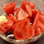 串笑いみっちゃん - トマトサラダ