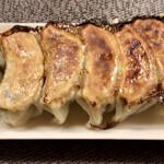 串笑いみっちゃん - 餃子、美味しいニンニク軽めの肉しっかりな一品
