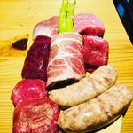 肉小屋 - 焼き上げコースのお肉