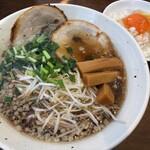 辛麺シャカ - 料理写真:尾道ラーメン&サービスTKG