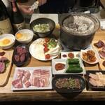 肉小屋 - 七輪焼きコース(2人前)