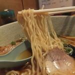 麺屋しぶ沫 - 細麺の軽いちじれ