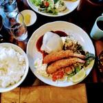 キッチンきねや - 料理写真:海老フライとハンバーグ