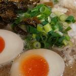 しぇからしか - チャシュ麺+高菜+味タマ♪