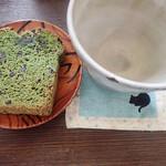 ハウスカ - 抹茶パウンドケーキはリベークするとしっとりミャ