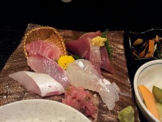 山葵 - とても美味しいお刺身です。
