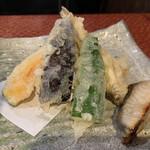 居酒屋鮮道 こんび - 天ぷら盛りヽ( ´ ▽ ` )ノプラス焼き魚