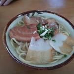 丸吉食堂 - 三枚肉そば600円
