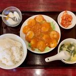 146672982 - 週替り定食(エビのチリソース) ¥800