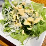 ダージリン - サラダはごくごく普通で却って驚く ヨーグルトドレッシングです