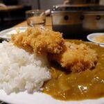 チキンキッチン - 大山鶏のカツカレー定食(大盛無料) 890円(税別)