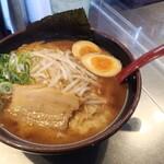 拉麺福徳 - マー油豚骨700円税込に食べログクーポンで味玉トッピング