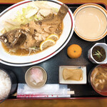 ぬちぐすい - 料理写真:黒ミーバイ(冷凍)のバター焼き定食(1350円)※たんかんはお冷の横にあったものを頂いた