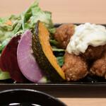自然野菜レストラン 駒込 ナーリッシュ - チキン南蛮と野菜達