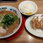 146702587 - 餃子定食こってり