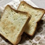 サイドフィールドブレッド - 料理写真:パン・カレ 1斤 ¥320+税