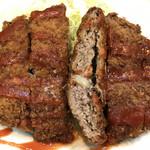 ブルドック - ひき肉と玉ねぎで合わせたメンチカツ!