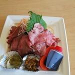旬彩和創 清水亭 - 持ち帰り炙りローストビーフ丼(1200円)