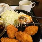 """崎陽軒本店 亜利巴""""巴"""" - カキフライ断面"""