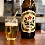 巣鴨ときわ食堂 - ドリンク写真:サッポロラガー赤星大瓶・540円