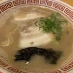 東洋軒 - 料理写真:豚骨ラーメン
